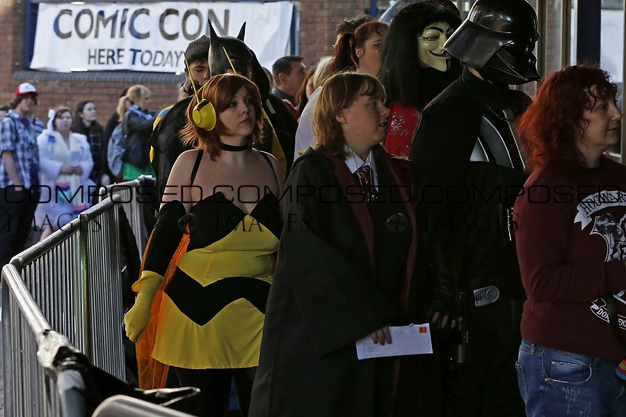 Fans Arrive for Film & Comic Con Cardiff