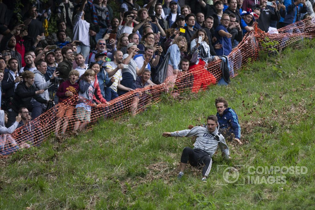 cheese-rolling-crowd